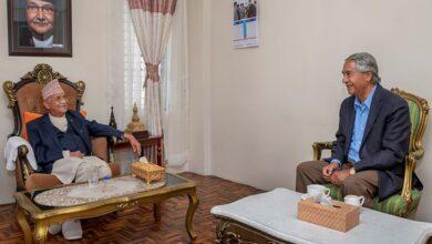Photo of प्रधानमन्त्रीमा ओली र देउवाको दावी, राष्ट्रपति भण्डारीकाे कस्तो हाेला निर्णय ?
